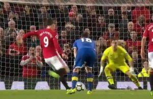 Tendangan Penalti Zlatan Ibrahimovic Saat Injury Time