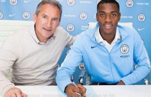 Adarabioyo Teken Kontrak Baru Bersama Manchester City