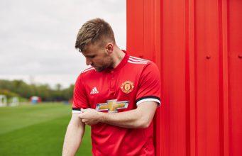 Setelah Jersey Tandang, Manchester United Luncurkan Versi Kandang