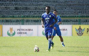 7LiveSports - Essien Persib
