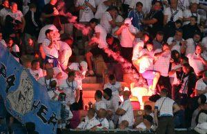 Kembang Api Fans Tunda Pertandingan Hertha Vs Hansa