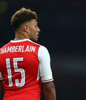 Oxlade-Chamberlain Tolak Tawaran Chelsea dan Ingin Ke Liverpool