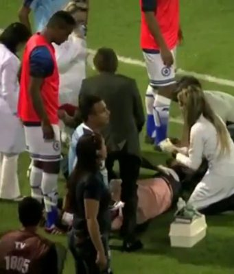 Seorang Pelatih Cedera Karena Ditabrak Pemainnya Sendiri