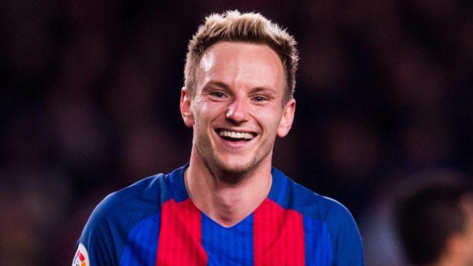 Gelandang Barcelona Ini Ingin Menetap di Camp Nou