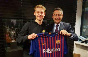 Frenkie de Jong Akan Bergabung Dengan Barcelona Pada Bulan Juli