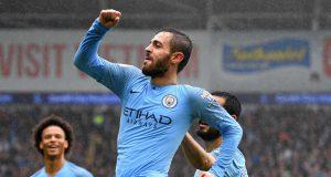 Manchester City akan memberikan penghargaan kepada gelandang Bernardo Silva dengan kontrak baru selama enam tahun baru