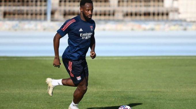Striker Lyon, Moussa Dembele Ingin Dengar Kabar Dari Man Utd