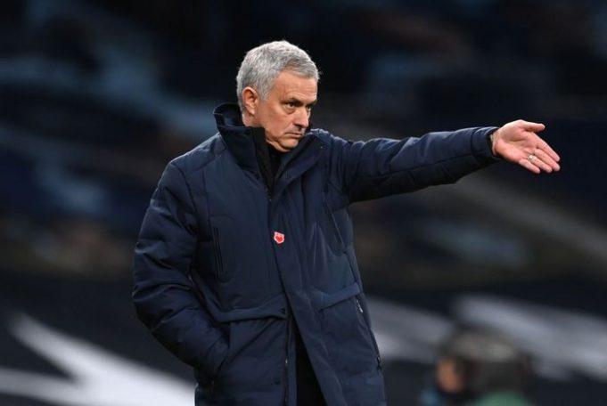 Jose Mourinho Mengecam Penundaan Laga Menghadapi Fulham