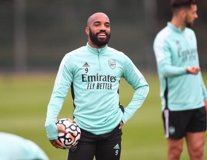 Arsenal Tawarkan Lacazette ke AC Milan